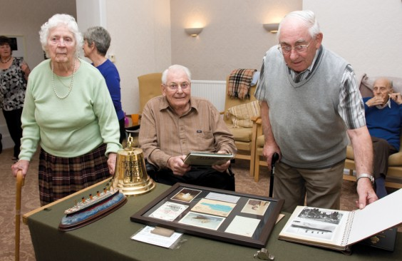 Residents look at Titanic artefacts