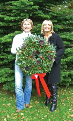 Ragni and Marie of Woods Farm with the winning wreath