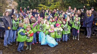 Litter picking in Alvechurch